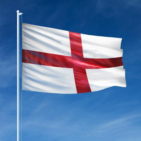 england-flag-flying_26604-30[1]